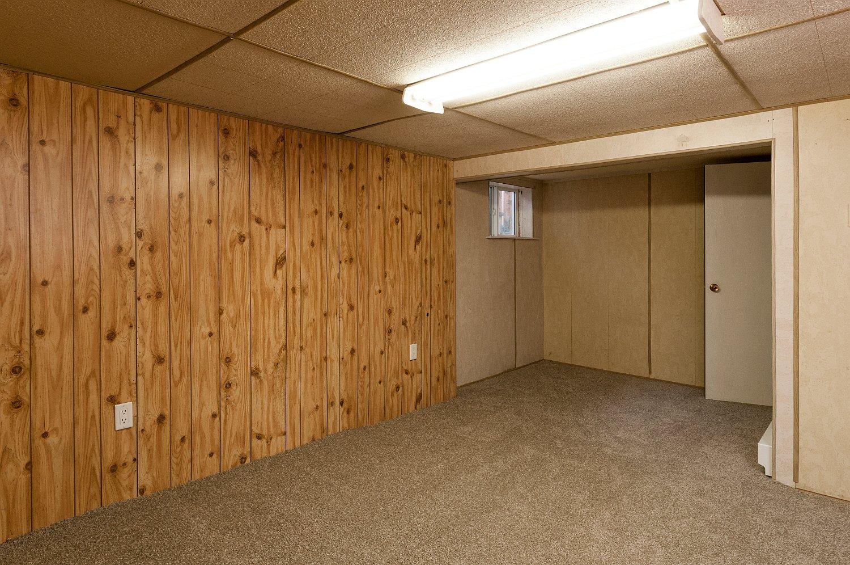 basement bedroom_9548