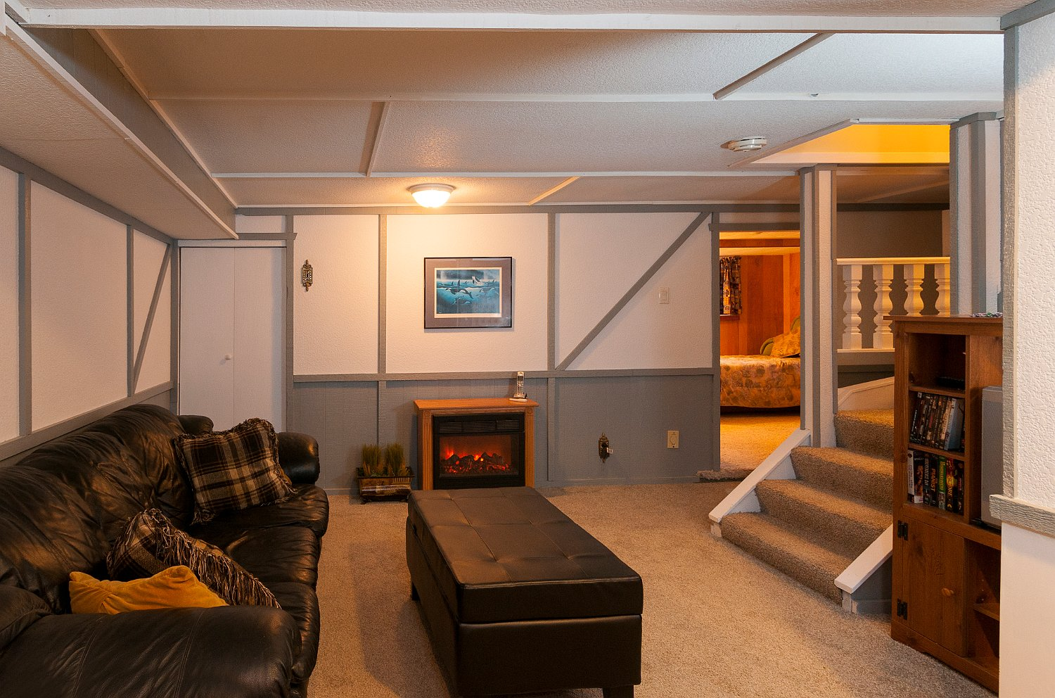 basement recreation room_9543