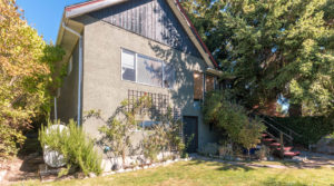 Charming Home in Oaklands