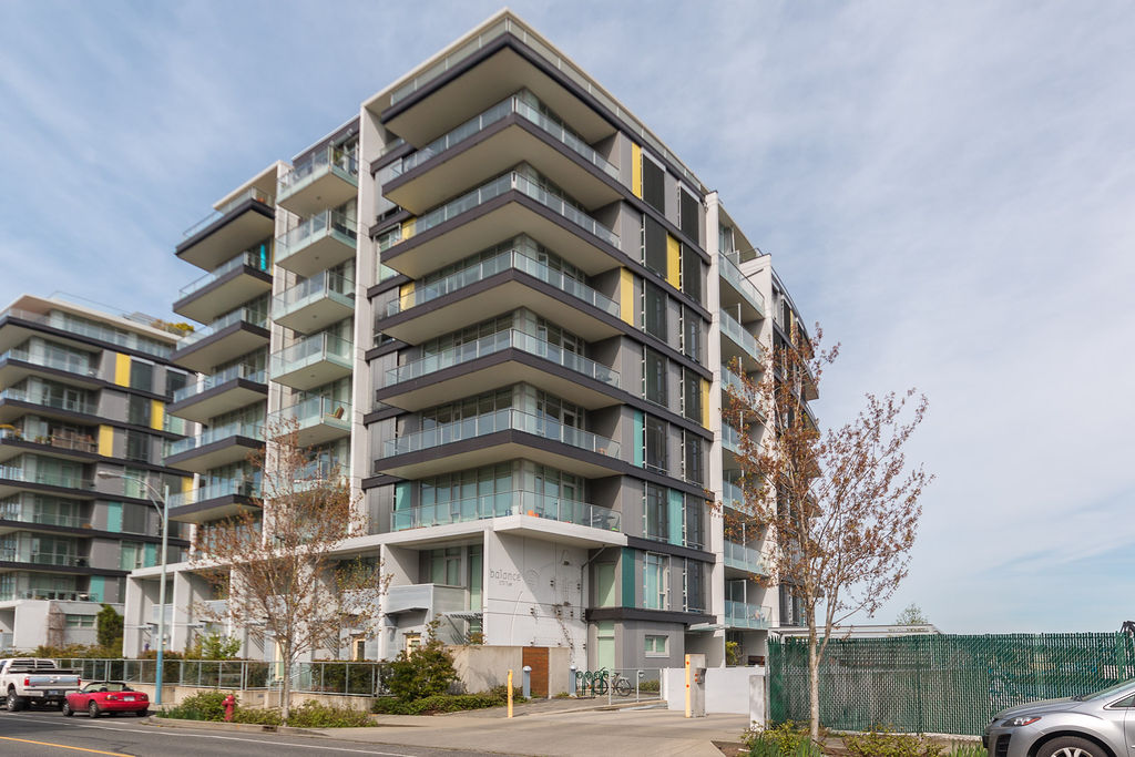 Tyee Condo with Views!