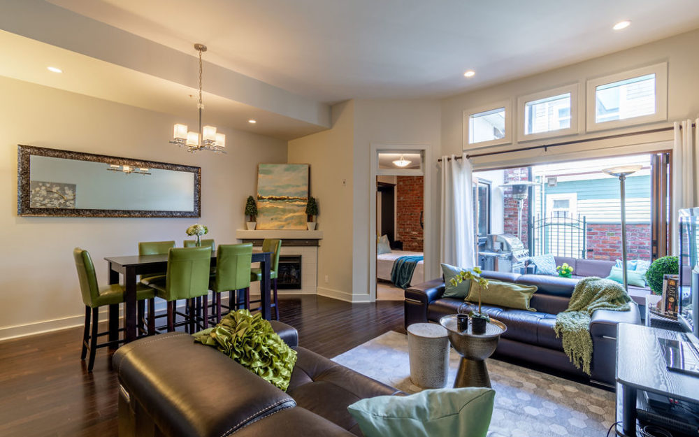 Unique James Bay Townhome