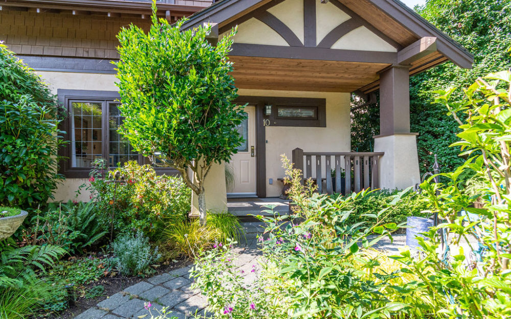 Lovely Townhome Fully Updated